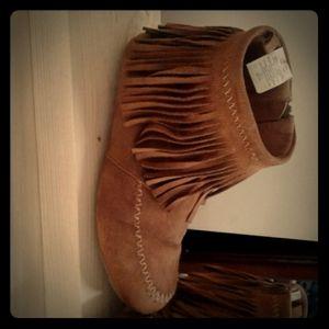 JOE moccosin style ankle boots *youth size4
